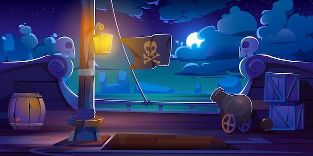 Vista nocturna a bordo de la cubierta del barco pirata, bote de madera con cañón, linterna luminosa, barriles de madera, entrada de bodega, mástil con cuerdas y bandera jolly roger, caricatura