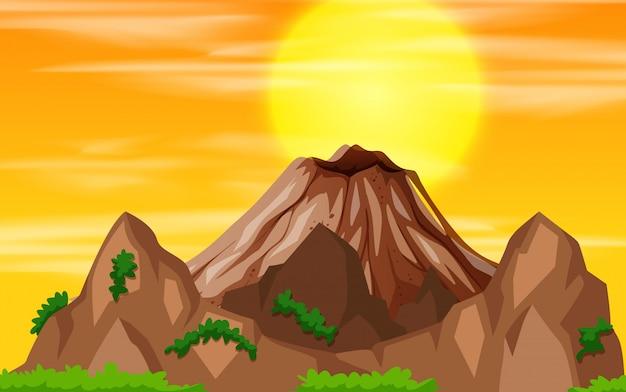 Una vista de la puesta de sol de montaña