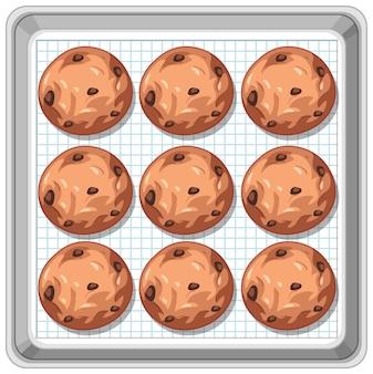 Vista superior de las galletas con chispas de chocolate en la bandeja