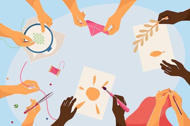 Vista superior de manos realizando diferentes trabajos artesanales. diversos niños tejiendo, cosiendo, bordando, haciendo álbumes de recortes haciendo manualidades creativas ilustración vectorial plana. bricolaje, taller, concepto de evento.