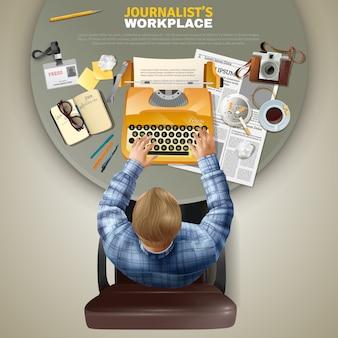 Vista superior periodista en el lugar de trabajo