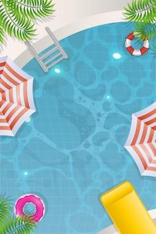 Vista superior de la piscina. verano