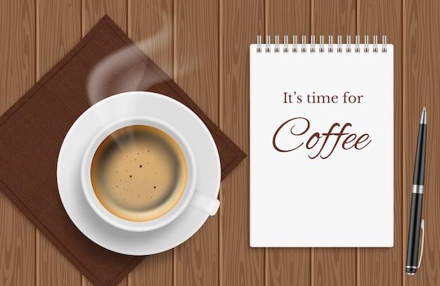 Vista superior de la taza de café en la mesa de madera, almuerzo de negocios - fondo de tiempo de café realictic