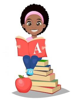 De vuelta a la escuela. linda chica afroamericana