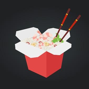Wok con camarones, arroz. comida rápida en caja.