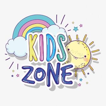 Zona de juegos infantil con sol y arco iris.