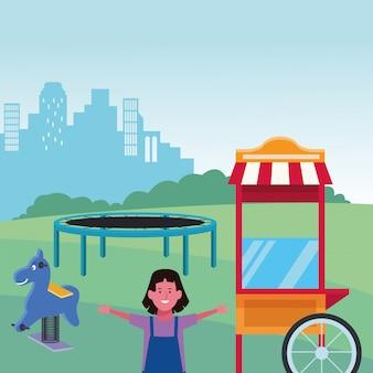 Zona para niños, linda chica con trampolín primavera caballo y patio de comidas