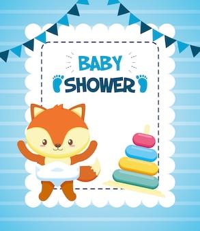 Zorro con juguete piramidal para tarjeta baby shower