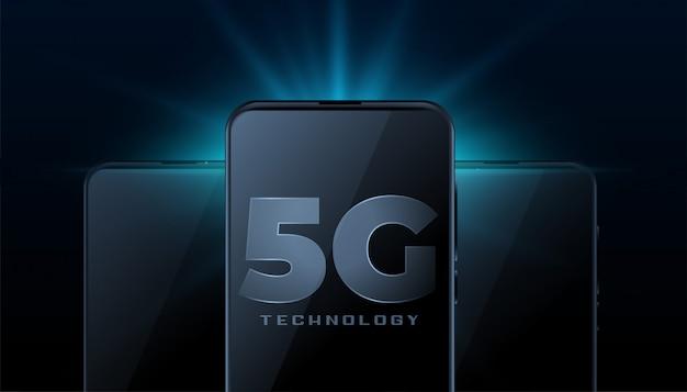 5g drahtlose internet-technologie mit realistischem smartphone-handy