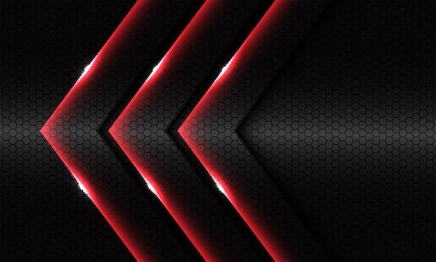 Abstrakte dreifach rote glänzende pfeilrichtung auf dem modernen luxusfuturismushintergrund des dunkelgrauen sechseckmaschenmetalldesigns.