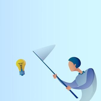 Abstrakte geschäftsmann-fangen-glühlampe mit neuem kreativem ideen-konzept des schmetterlings-netzes