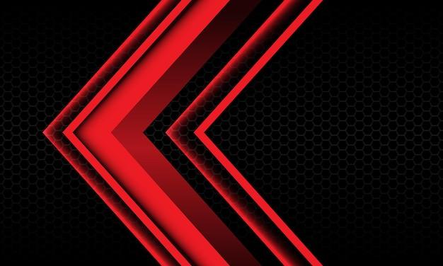 Abstrakte rote pfeilschattenmetallikrichtung geometrisch auf modernem futuristischem hintergrund des schwarzen sechsecknetzes