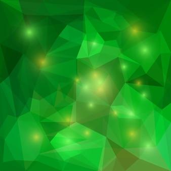 Abstrakter heller smaragdgrüner polygonaler dreieckiger geometrischer hintergrund mit grellen lichtern zur verwendung im design für karten, einladungen, poster, banner, plakate oder plakatabdeckungen