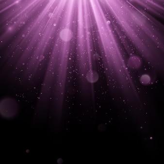 Abstrakter lila überlagerungseffekt. schimmerndes objekt mit strahlenhintergrund. glühendes licht fällt herunter und licht flackert. scheinwerferszene.