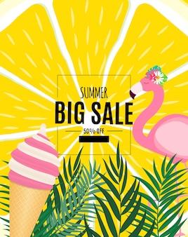 Abstrakter sommerschlussverkauf-hintergrund mit palmblättern und flamingo.