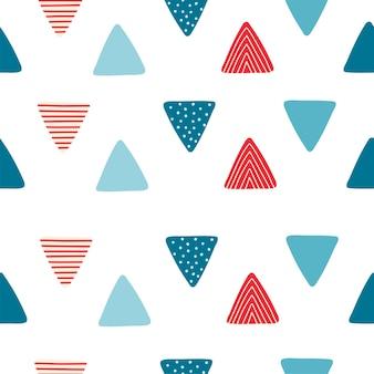 Abstraktes nahtloses muster mit dreieckigen flaggen im cartoon-stil. textur für kinderzimmerdesign, tapeten, textilien, geschenkpapier, kleidung. vektor-illustration