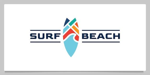 Abstraktes surfbrett und wellenstrand-logo-design mit visitenkarte