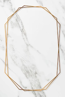 Achteckiger goldrahmen auf weißem marmorhintergrundvektor