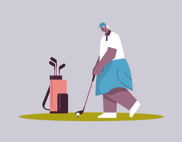 Ältere frau, die golf spielt im alter von afroamerikanischer spielerin, die einen schuss aktives alterskonzept macht, horizontale vektorillustration in voller länge