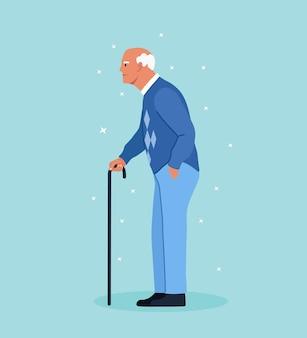 Älterer mann mit gehstock. schöner alter mann im freizeitoutfit mit stock