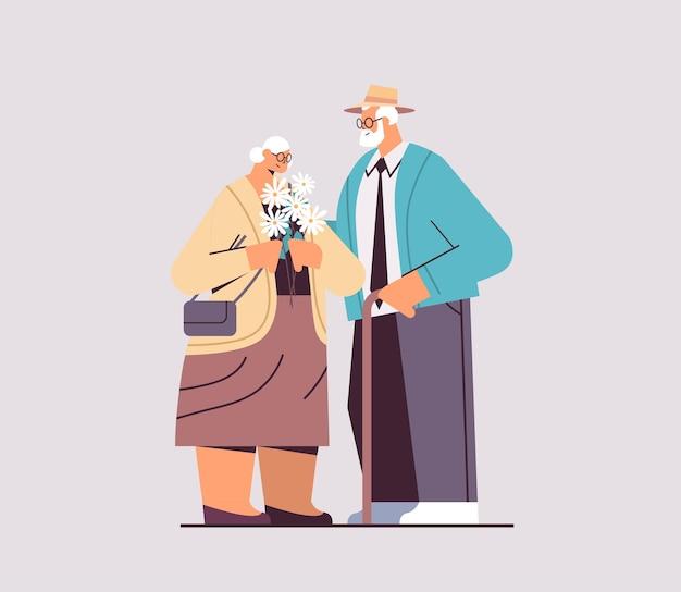 Älteres paar, das zusammen steht, großeltern, die zeit zusammen verbringen, horizontale vektorillustration in voller länge