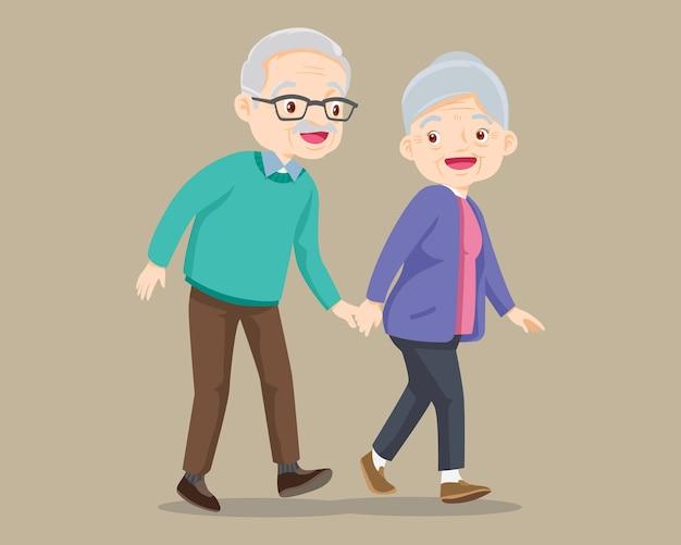 Älteres paar zu fuß. alter älterer mann und frau, die zusammen gehen. großvater geht mit großmutter und hält die hand.