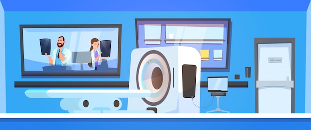 Ärzteteam untersucht ergebnisse des mri-scannens