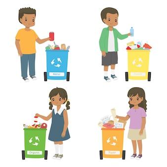 Afroamerikanerkinder, die abfall für die wiederverwertung sammeln. mülleimerset sortieren