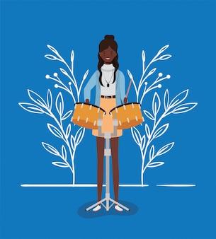 Afrofrau, die paukencharakter spielt