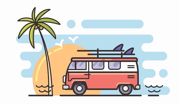Alter retro-klassischer reisevan mit surfbrett.