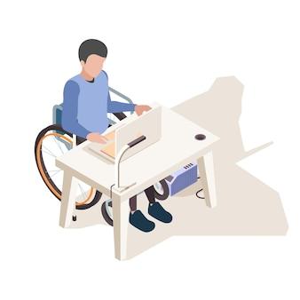 Am schreibtisch deaktiviert. person zu hause behinderte computerarbeit und sitzen im rollstuhl-vektor-isometrischen konzept. illustrationsperson in der rollstuhlarbeit am computer
