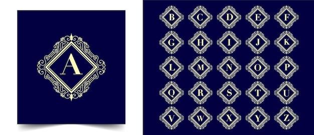 Antikes retro-luxus-viktorianisches emblem-logo mit floralem zierrahmen