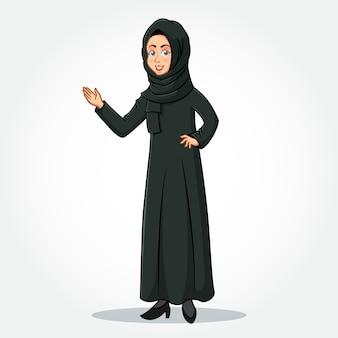 Arabische geschäftsfrau-zeichentrickfilmfigur in traditioneller kleidung mit begrüßungshänden isoliert
