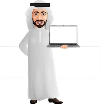 Arabischer geschäftsmann, der einen laptop anhält