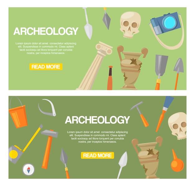 Archäologiesatz des fahnenvektors. archäologische werkzeuge, antike artefakte