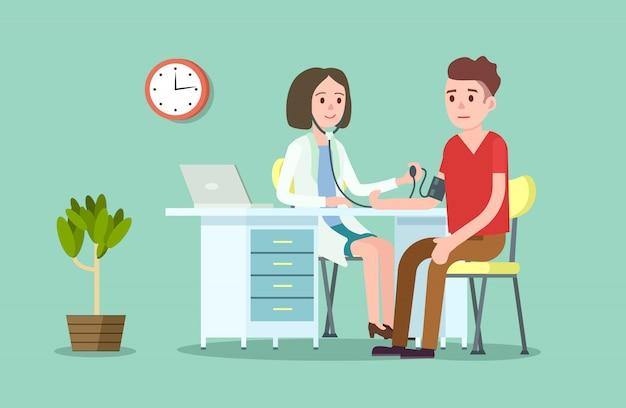 Arzt und patient messen den blutdruck