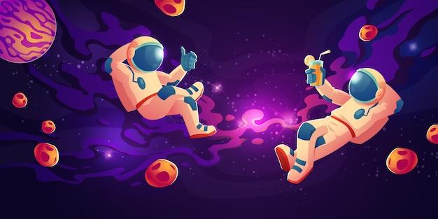 Astronauten in schwerelosigkeit trinken saft, entspannen sich