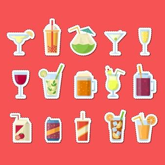 Aufkleber mit alkoholischen getränken in gläsern und flaschen gesetzt