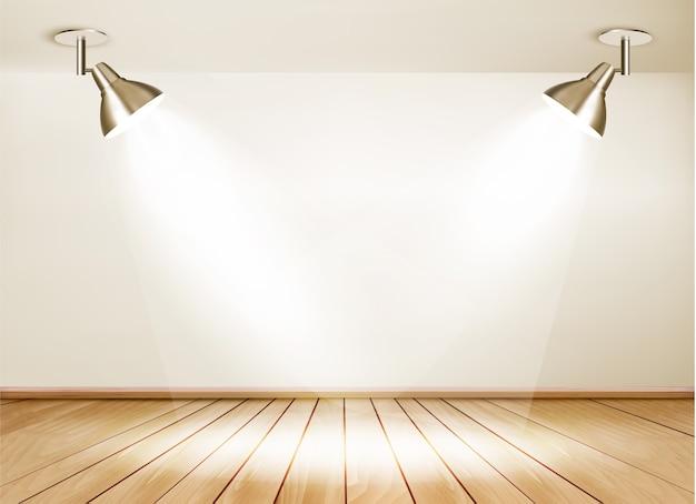 Ausstellungsraum mit holzboden und zwei lichtern.