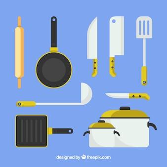 Auswahl von flachen küchenartikeln mit farbdetails