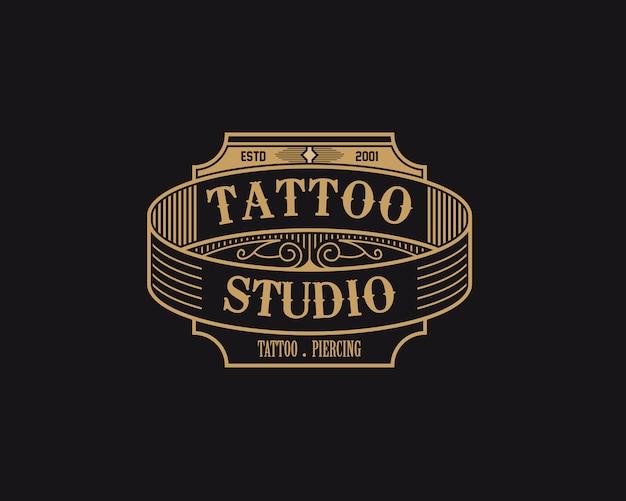 Authentisches tattoo-abzeichen
