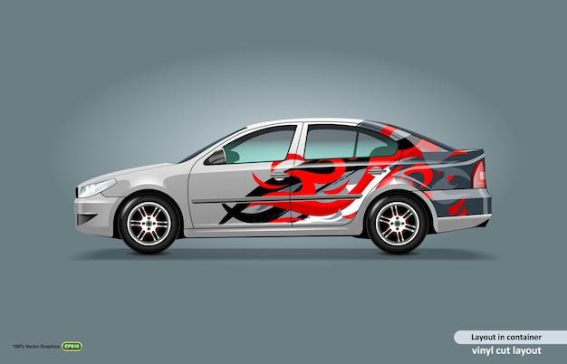Auto-aufkleber-wrap-design mit abstraktem flammenthema auf metallischer limousine.