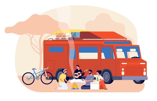 Auto fahren. freundesreise, naturaufenthalt. junge leute, die auf auto reisen. touristen mit rucksack sitzende feuer-vektor-illustration. reisepicknickfreund, touristischer lebensstil, reisender im freien