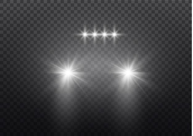 Auto-scheinwerfer, die vom dunklen hintergrund leuchten. silhouette des autos mit scheinwerfern auf schwarzem hintergrund. einfacher lichtblitz .illustration.