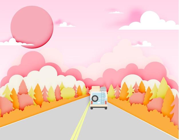 Autoreise mit hintergrund-papierschnitt des autos und des natürlichen herbstes pastellfarbschnittart