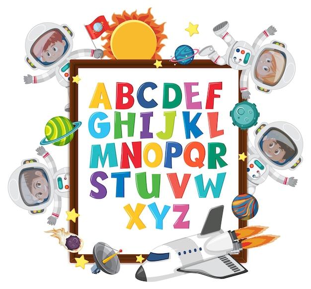 Az alphabettafel mit kindern im weltraumthema