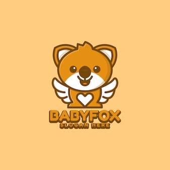 Baby-fuchs-logo-design mit flügeln und liebeskonzeptkarikatur und niedlichen stilillustrationen. geeignet für abzeichen, embleme und symbole