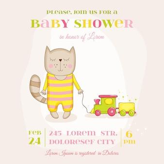 Baby-mädchen-katze mit einer zugankunftskarte