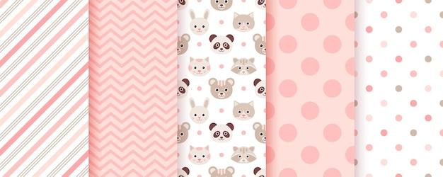 Baby-mädchen-muster. nahtlose hintergründe. rosa kindertexturen set mit süßen textildrucken. pastell scrapbook-hintergrund
