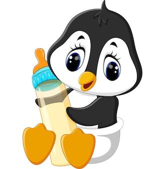 Baby-pinguin, der milchflasche hält